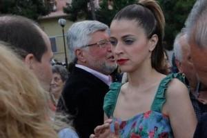 Φανή Σπυριδάκη: Ποια είναι η υποψήφια του Ποταμιού που μαγνήτισε όλα τα βλέμματα με το ΕΚΚΕΝΤΡΙΚΟ της στυλ;;; (PHOTOS)