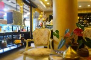 Kazarte: Στην Γλυφάδα θα βρεις -ενδεχομένως- το πιο ιδιαίτερο cafe - ζαχαροπλαστείο της πόλης!