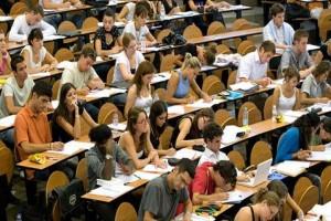Ευχάριστα νέα: Επίδομα 4.700 ευρώ σε φοιτητές!