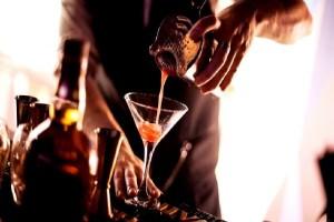 Σ' αρέσει να πηγαίνεις μόνος για ποτό; Το AthensMagazine.gr σου προτείνει τα 5 καλύτερα bar για σένα!