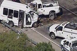 Φρικτό τροχαίο στις ΗΠΑ: Σκοτώθηκαν 13 από τους 15 επιβαίνοντες!