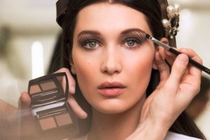 5 λάθη στο μακιγιάζ ματιών που σε μεγαλώνουν