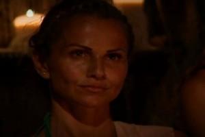 Τραγική: Η Σόφη βρίζει ευθέως τους Έλληνες που παρακολουθούν Survivor!