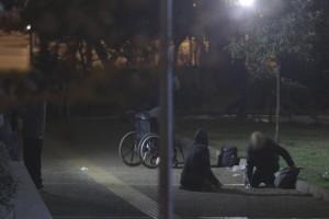 """Μπήκαμε στην πιο επικίνδυνη πιάτσα της Αθήνας: Εκεί όπου διακινούνται τα πιο σκληρά ναρκωτικά και η πιο """"δυνατή"""" ηρωίνη (photos)"""