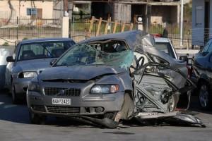 Εικόνες που κόβουν την ανάσα: Φωτογραφίες από το μοιραίο αυτοκίνητο που έκοψε το νήμα των 4 παλικαριών στον Εύοσμο