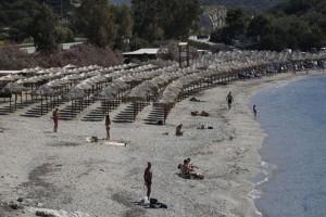 Θέαμα που... ανατριχιάζει: Ξεκίνησαν τα πρώτα μπάνια στην Αττική!