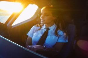 Γυναίκες στους αιθέρες: Αυτές είναι οι πιο καυτές πιλότοι στον κόσμο! (Photos)