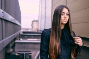 Μην τα ξανακάνεις κούκλα μου! Αυτοί είναι οι 6 τρόποι που τα μαλλιά σου σε μεγαλώνουν (Photos)