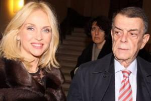 Αποκάλυψη: Η άγνωστη ζωή της Μαρί Κυριακού και η περιουσία των 2 δισ. ευρώ! (photos)