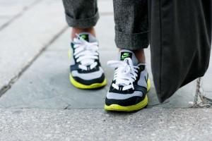 Φέτος την άνοιξη όλα τα μοδάτα κορίτσια θα δένουν έτσι τα κορδόνια των sneakers