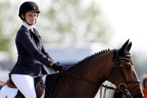 Είδηση - σοκ: Ατύχημα της Αθηνάς Ωνάση με το άλογό της! (Photos)