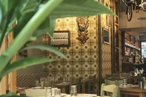 """Κιουζίν: Η ελληνική κουζίνα... """"αλλιώς"""" σε αυτό το νέο γευστικό στέκι στο Κολωνάκι!"""