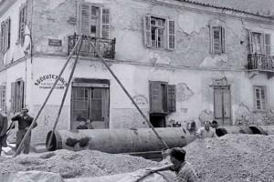 Μια ρετρό ιστορία που λίγοι γνωρίζουν: Όταν εκατοντάδες κάτοικοι του Αιγάλεω επιτέθηκαν κατά της χωροφυλακής επειδή τους κατεδάφισαν τα αυθαίρετα (photos)