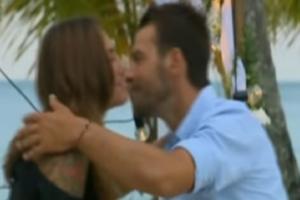 """Τα φιλιά του Ντάνου στην Βαλαβάνη και το """"μάθημα"""" καμακιού! (video)"""