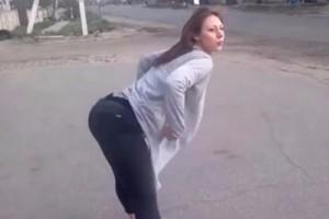 Έκανε twerking στον δρόμο και προκάλεσε τροχαίο ατύχημα! (video)