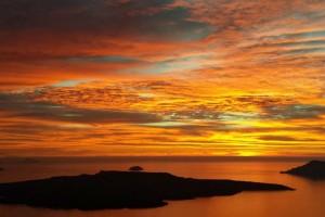 Ένα ελληνικό νησί στο top 10 για μήνα του μέλιτος στην παραλία (Photos)