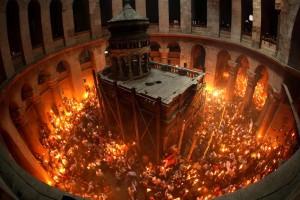 «To Άγιο Φως δεν είναι αρχηγός κράτους είναι ένα αντικείμενο» - Απίστευτη πρόκληση από άνθρωπο της κυβέρνησης!
