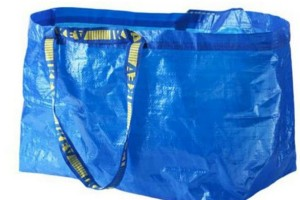 Γνωστός Οίκος μόδας πουλάει μια τσάντα σαν αυτή των ΙΚΕΑ για πάνω από 2000 ευρώ! Τι το ιδιαίτερο έχει; (photos)