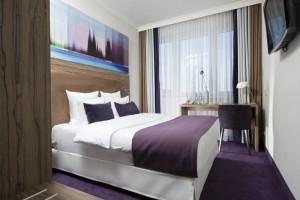 Εσύ το ήξερες; Να γιατί δυσκολευόμαστε να κοιμηθούμε στα δωμάτια ξενοδοχείων!