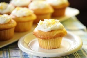 Το γλυκό της ημέρας: Φτιάξτε μόνοι σας πεντανόστιμα muffins λεμονιού!