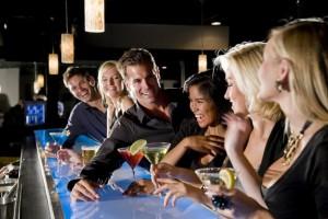 Θα το επισκεφτείτε; Έρχεται το μπαρ που θα επιτρέπει την είσοδο μόνο σε όμορφους και όμορφες!
