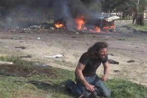Η φωτογραφία της ημέρας: Φωτό απ' τη βομβιστική επίθεση σε αμάχους στη Συρία! Γιατί και οι φωτορεπόρτερ είναι άνθρωποι!