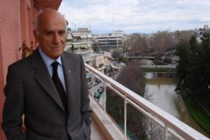 Να ποιος είναι ο γιατρός από την Κρήτη που βρέθηκαν εκατομμύρια ευρώ στο σπίτι του...!