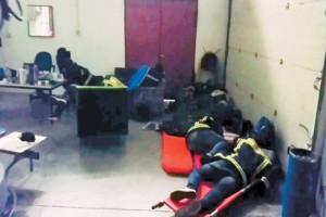 Να survivor: Η ντροπή του αιώνα - Έλληνες πυροσβέστες σε Μύκονο και Σαντορίνη κοιμούνται σε ράντζα...