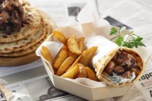 Τρελαίνεσαι για πιτόγυρα; Αυτά είναι τα 10 καλύτερα γυράδικα της Αθήνας!