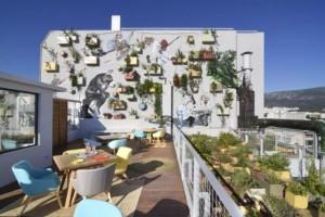 Στην καρδιά της Αθήνας: Το ξενοδοχείο - κόσμημα που έχει κάνει τον ύπνο… τέχνη! (Photos)