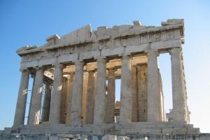 """Γιατί οι Ευρωπαίοι και όλος ο κόσμος μισεί τους Έλληνες - Μια Ελβετίδα το εξηγεί στο βιβλίο της με τίτλο """"Σκυλάνθρωποι"""""""