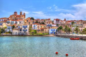 9 υπέροχοι οικονομικοί προορισμοί για μπάνιο δίπλα στην Αθήνα! (Photo)