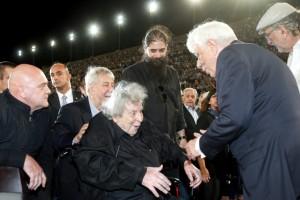 Αποθέωση για τον Μίκη Θεοδωράκη στο Καλλιμάρμαρο! Σπουδαία συναυλία προς τιμήν του... (Photos)