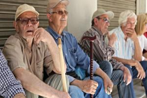 Κατά βάθος είναι αγιαγάπητοι: Μία ωδή στον ηλικιωμένο και συνταξιούχο Έλληνα...