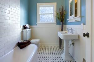 Έχετε μικρό μπάνιο; Σας παρουσιάζουμε 7 μοναδικούς τρόπους για να το ομορφύνετε!