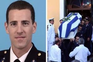 Ράγισαν καρδιές στην κηδεία του 33χρονου δόκιμου ανθυποπυραγού, Αριστείδη Μουζακίτη! Τραγικές φιγούρες οι γονείς του! (photos)