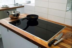 Εύκολες συμβουλές για να καθαρίσεις τις κεραμικές εστίες της κουζίνας χωρίς χημικά!