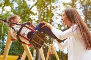 Αυτά είναι τα σφάλματα που κάνεις στην παιδική χαρά και σε κάνουν αντιπαθητική: Δες και διόρθωσέ τα!
