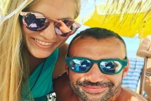 Χούτος - Εσκενάζυ: Απολαμβάνουν μαζί τις βουτιές τους στη θάλασσα! (Photo)