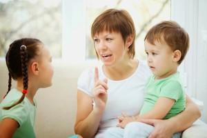 """Γονείς δώστε προσοχή: Αυτή είναι η """"μαγική"""" φράση που ηρεμεί τα παιδιά!"""
