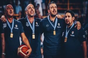 Ρίγη συγκίνησης: Έβαλε τα κλάματα ο προπονητής της Εθνικής μετά την κατάκτηση του Ευρωπαϊκού!