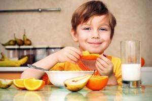 Γονείς προσοχή: Αυτά είναι τα λάθη που κάνετε με τα παιδιά σας σχετικά με το φαγητό!