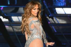 Jennifer Lopez: Η εμφάνιση στη σκηνή που προκάλεσε εγκεφαλικά (photo)