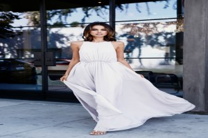 Maxi φόρεμα: 10 προτάσεις για να το φορέσεις το καλοκαίρι!