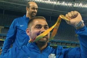 Άξιος! Χρυσό με ρεκόρ αγώνων στο παγκόσμιο ο Στεφανουδάκης!