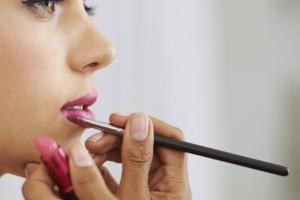 Η απόλυτη καλοκαιρινή τάση στο μακιγιάζ των χειλιών που θα σας ξετρελάνει! (video)