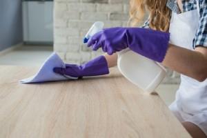 Ένα εύκολο και γρήγορο κόλπο για να διώξετε την σκόνη σε δευτερόλεπτα!