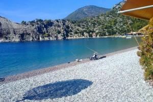 Ετοιμαστείτε για βουτιές: 3 θεϊκές παραλίες κοντά στην Αθήνα!