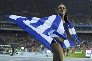 """Στην Ελλάδα η""""χρυσή"""" Κατερίνα Στεφανίδη: Δηλώσεις και φωτογραφίες από την άφιξή της!"""