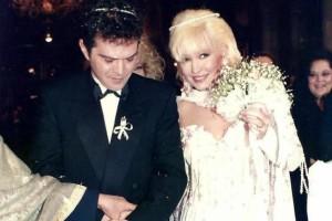 Δεν είχαμε ιδέα! Ο άγνωστος γάμος της Καίτη Φίνου με τον Γιώργο Λύρα και η παρουσία της... Πέγκυς Ζήνα σε αυτόν! (Photos)
